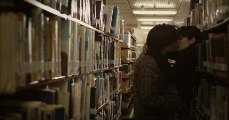 beso-biblioteca