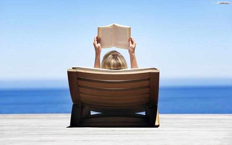 leyendo playa