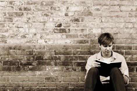 hombre-leyendo